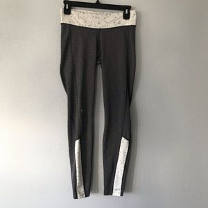 Under Armour  cold wear athletic pants Sz M